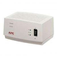 Стабилизатор APC Power regulator/ conditioner 600VA (LE600-RS)